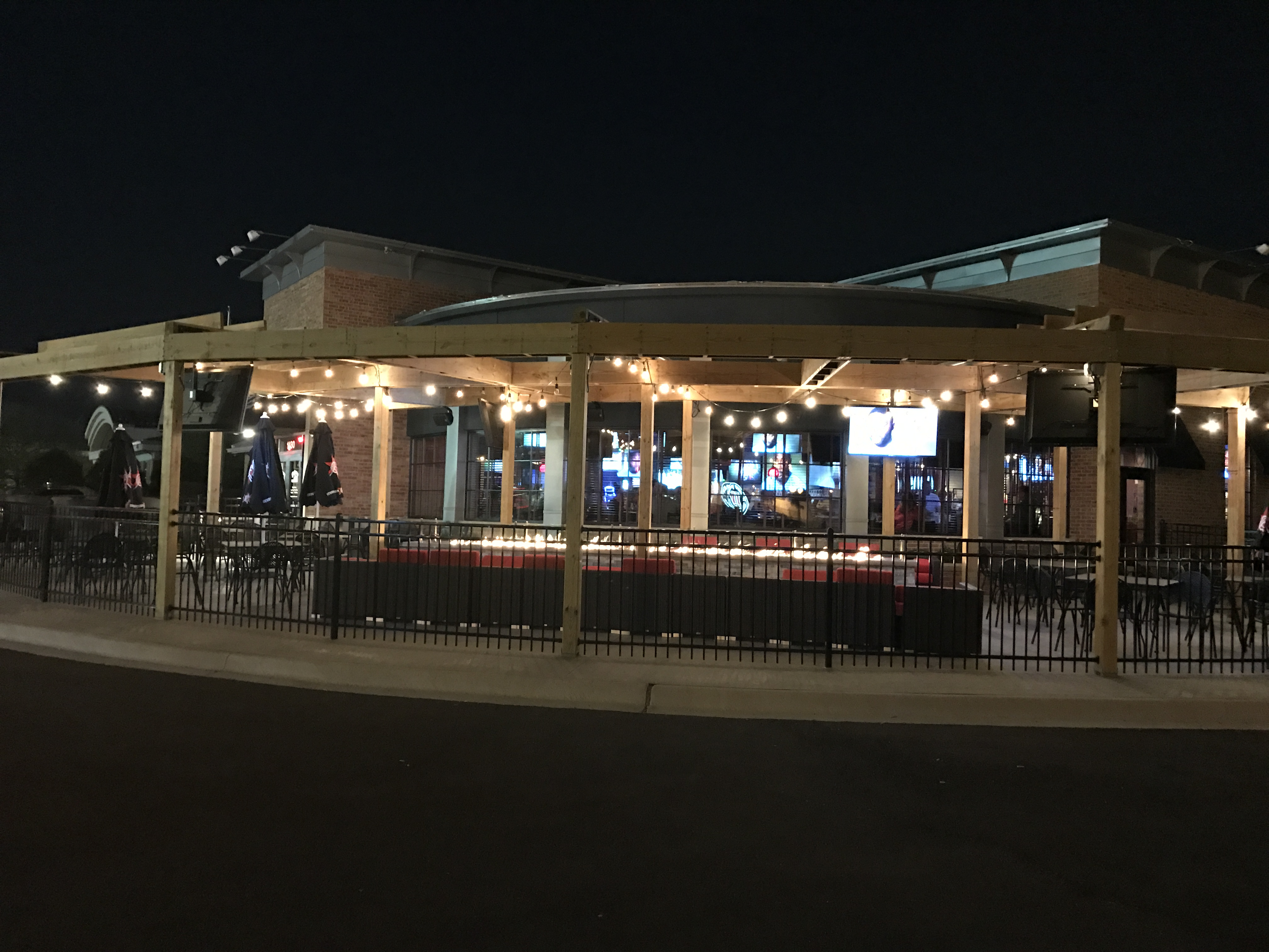 Outdoor Restaurant DuPage County